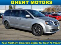 EPA 25 MPG Hwy/17 MPG City! Third Row Seat, Navigation,