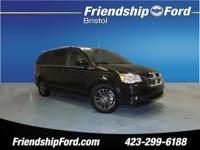 HEATED SEATS, 3rd ROW SEATS, AWD. CARFAX One-Owner.