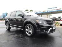 Come see this 2017 Dodge Journey Crossroad Plus. Its