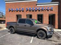 2017 FORD F-150 CREW CAB XLT WITH 4 WHEEL DRIVE! ONLY
