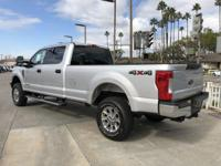 Options:  2017 Ford Super Duty F-250 Srw Xlt|Silver/|V8