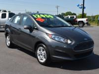 Magnetic 2017 Ford Fiesta SE FWD 6-Speed Automatic 1.6L