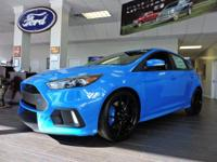 Boasts 25 Highway MPG and 19 City MPG! This Ford Focus