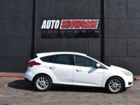 This 2017 Ford Focus 4dr SE Hatch features a 2.0L 4