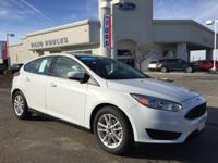 Options:  2017 Ford Focus Se|White|16 Painted Aluminum