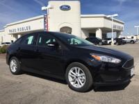 Options:  2017 Ford Focus Se|Black|Cloth Front Bucket