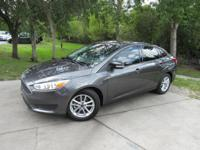 This 2017 Ford Focus 4dr SE Sedan features a 2.0L 4