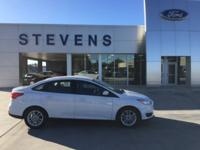 2017 Ford Focus SE FWD 6-Speed Automatic with