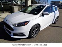 Delivers 30 Highway MPG and 22 City MPG! This Ford