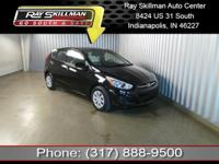 FUEL EFFICIENT 36 MPG Hwy/26 MPG City! SE trim. CD