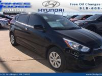 Ultra Black 2017 Hyundai Accent SE FWD 6-Speed Manual