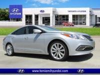 Boasts 28 Highway MPG and 19 City MPG! This Hyundai