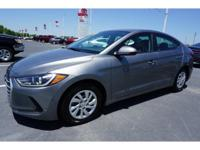 **1 OWNER**, **CLEAN CARFAX**, **NO ACCIDENTS**,