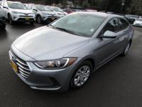 SE trim. FUEL EFFICIENT 38 MPG Hwy/29 MPG City!, PRICED