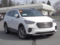 2017 Hyundai Santa Fe Limited Ultimate AWD, Leather.