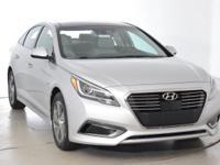 2017 Hyundai Sonata Hybrid Limited !!!This 2017 Hyundai