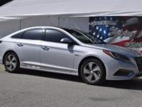 This 2017 Hyundai Sonata Hybrid Limited 2.0L is offered