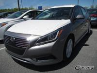 This new 2017 Hyundai Sonata Hybrid in Queensbury, NEW