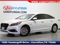 2017 Hyundai Sonata Hybrid SE 45/39 Highway/City MPG