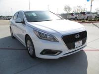 This 2017 Hyundai Sonata Hybrid SE is proudly offered