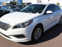 2017 Hyundai Sonata SE Gray. 36/25 Highway/City