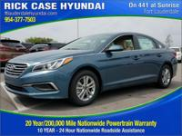 2017 Hyundai Sonata SE  in Blue and 20 year or 200,000