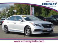 2017 Hyundai Sonata Sport 2.0T FWD. Leather Heated