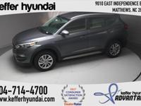 2017 Hyundai Tucson SE 2.0L DOHC Coliseum Gray 30/23