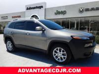 2017 Jeep Cherokee Latitude Light Brownstone Pearlcoat