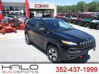 2017 JEEP CHEROKEE TRAILHAWK 4 WHEEL DRIVE SUV- IN LIKE