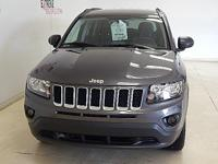 Options:  2017 Jeep Compass Latitude 4X4|Features