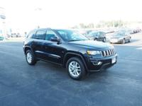 2017 Jeep Grand Cherokee Laredo Diamond Black Crystal