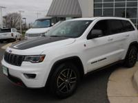 **TRAILHAWK LUXURY GROUP** FOUR WHEEL DRIVE**