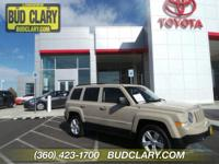 CARFAX One-Owner. Clean CARFAX. Mojave 2017 Jeep
