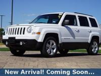 2017 Jeep Patriot Latitude in Bright White Clearcoat,