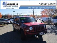 4WD, CRUISE CONTROL, BLUETOOTH WIRELESS! This 2017 Jeep
