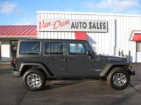 LIKE NEW!!!! 2017 Jeep Wrangler Unlimited Rubicon 4x4