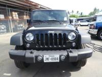 Come see this 2017 Jeep Wrangler Unlimited . Its