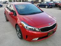 EPA 33 MPG Hwy/25 MPG City! EX trim. CARFAX 1-Owner,