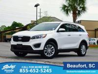 CARFAX One-Owner. White 2017 Kia Sorento LX AWD 6-Speed