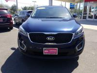 KIA CERTIFIED !! There is room for the whole family in