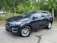 Options:  2017 Kia Sorento 3.3 Lx|This 2017 Kia Sorento