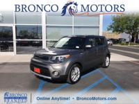 Delivers 30 Highway MPG and 25 City MPG! This Kia Soul