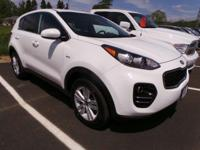 Come see this 2017 Kia Sportage LX. Its Automatic