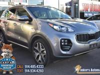 This 2017 Kia Sportage is a dream to drive. It features