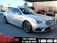 CARFAX One-Owner. Clean CARFAX. 2017 Lincoln