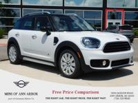2017 MINI Cooper Countryman Cooper All4 - Light White