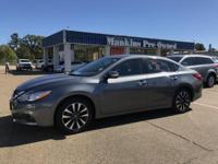 How appealing is this handsome 2017 Nissan Altima? This