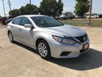 2017 Nissan Altima 2.5 SV CVT with Xtronic Silver 2.5L