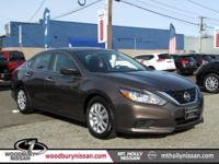 CARFAX One-Owner. Clean CARFAX. Java 2017 Nissan Altima